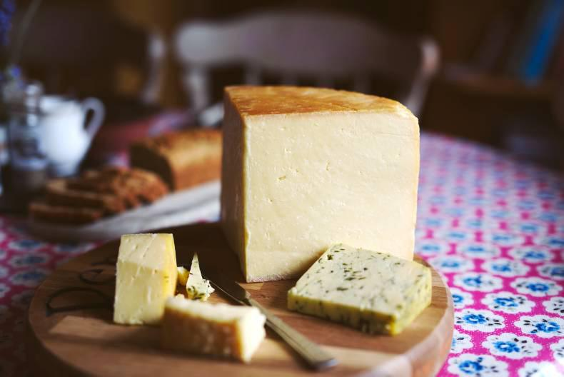 Derg Farmhouse Cheese - cut cheese